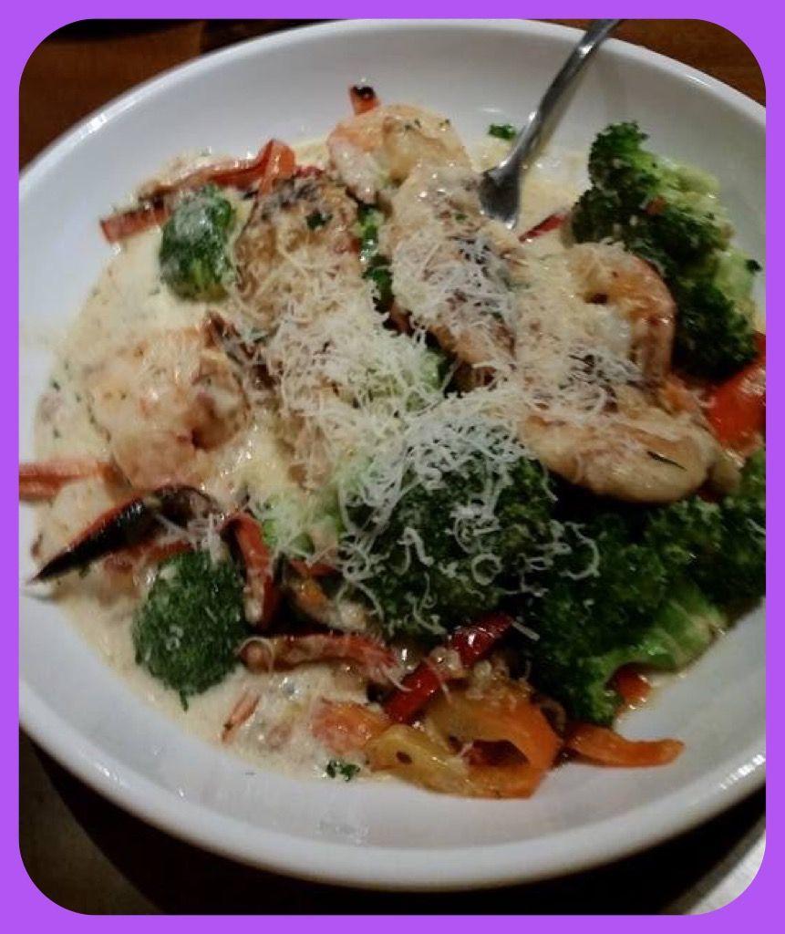 Olive Garden. Shrimp and chicken Carbonara over broccoli   Low carb ...