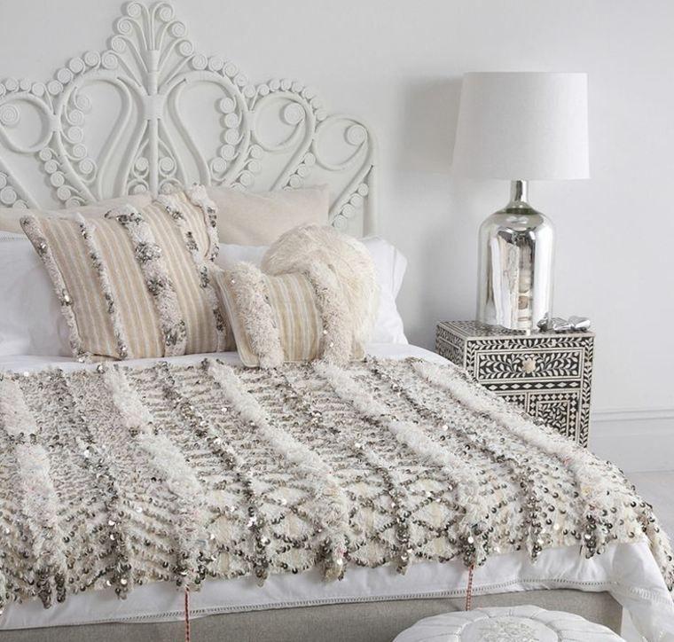 T te de lit orientale pour une chambre chic et exotique d coration orientale oriental et tete de - Deco chambre orientale ...