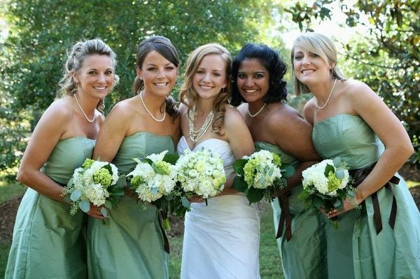8 Perfect Color Combinations For Your Wedding Emerald Jade And Charcoal Green Bridesmaid Dresseswedding