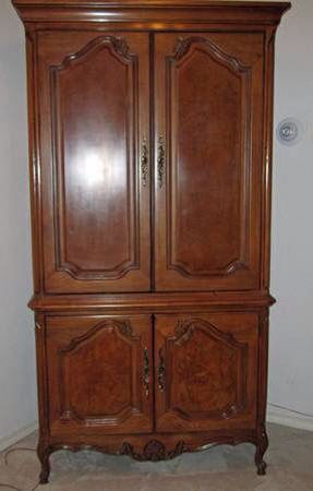 Thomasville French Court Armoire The French Court Collection Was Produced Around 1985 Thomasville Furniture Thomasville Furniture
