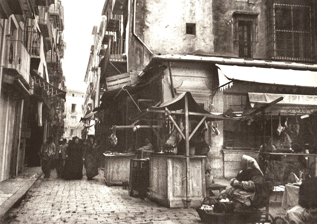 Calle Trench, 1900