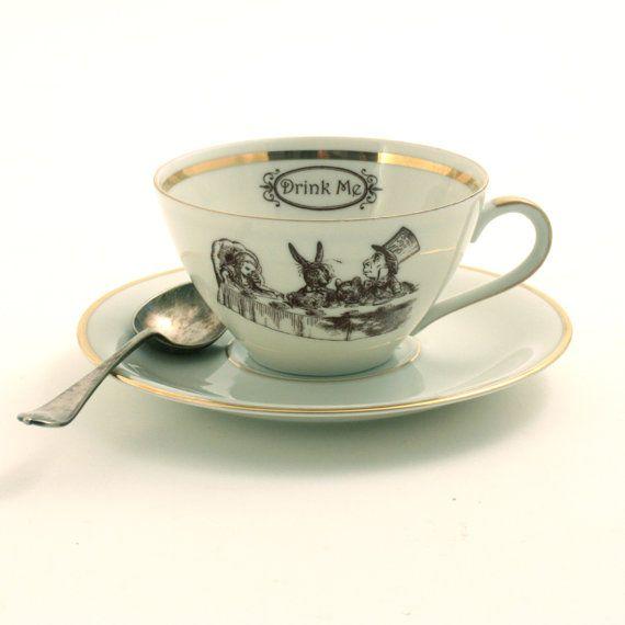 alice au pays des merveilles tea party tasse th alt r e vintage soucoupe caf porcelaine blanc. Black Bedroom Furniture Sets. Home Design Ideas