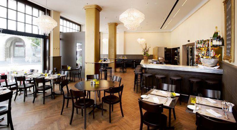 Restaurant Glogge Egge Restaurant Interieur Hotels Holzstuhle