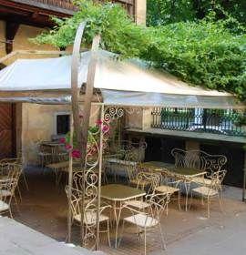 Restauracja Padre W Krakowie Garden Arch Pergola Outdoor Structures
