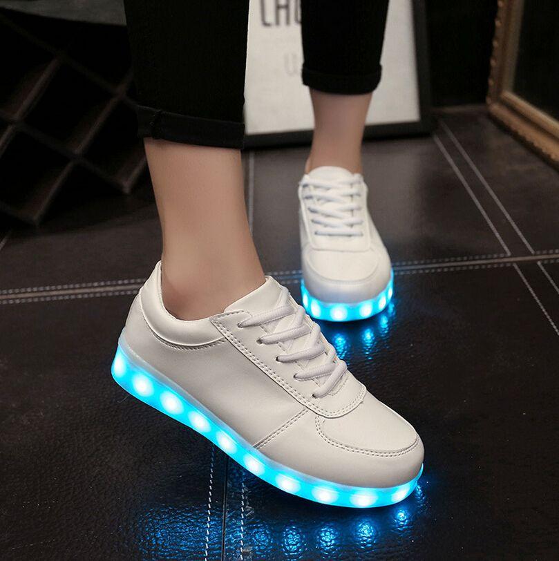Neue Mode Komfortable frauen männer USB lade licht schuh 8 farben ...