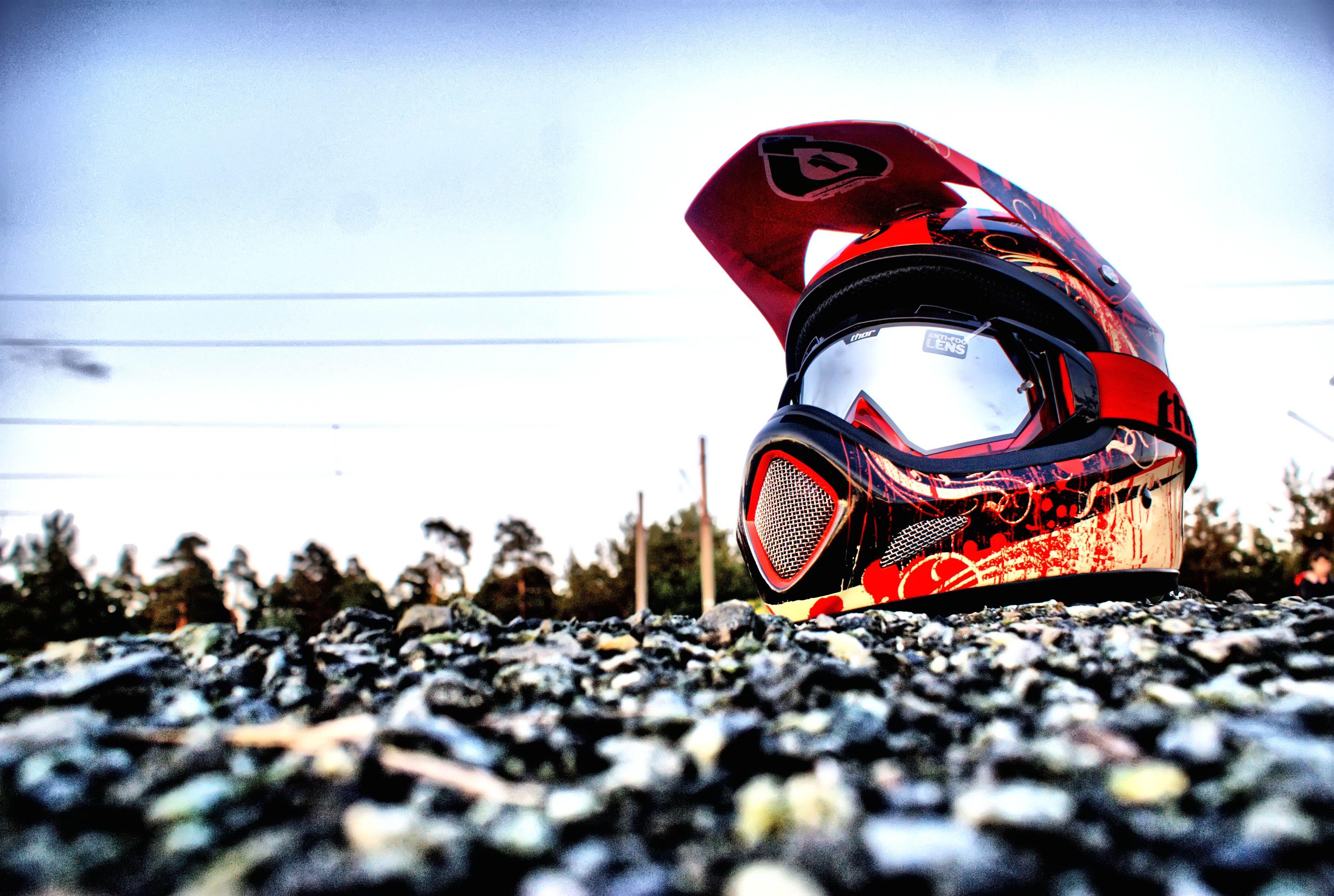 Red Mountain Bike Helmet - Wallpaper ...