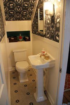 Ba os debajo de escaleras decoraciom ba os ba o bajo for Diseno de banos pequenos debajo de escaleras