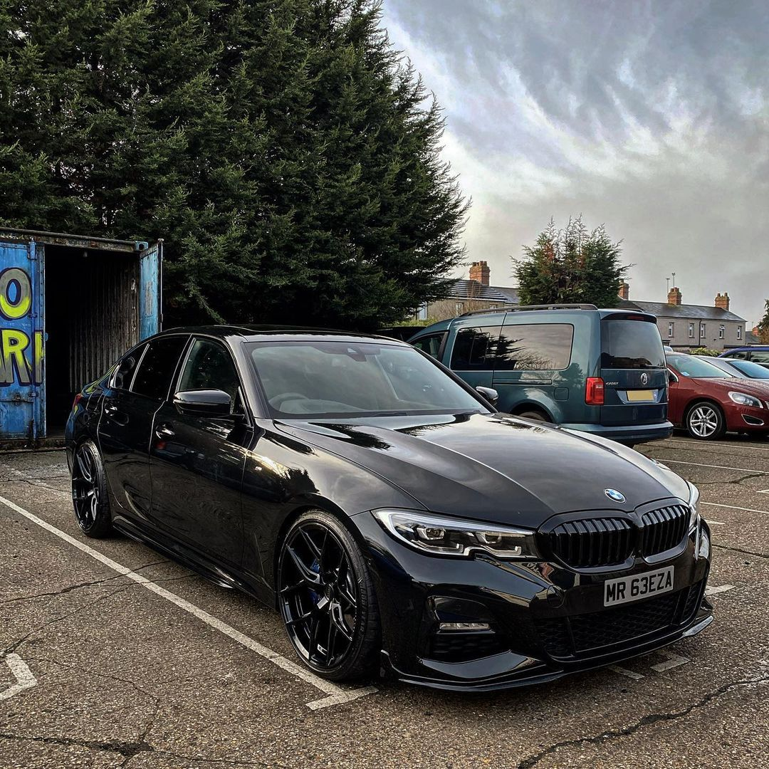 Lenny Howlett On Instagram Back To The Car Posts Bmw 330i Msport Mperformance Vossen Hf5 Bimmerdeals Len Bmw Sports Car Dream Cars Bmw Bmw Cars
