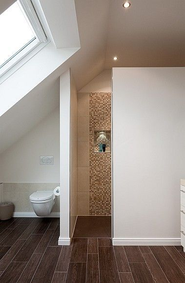badkamer modern schuin dak - Google zoeken - badkamer met schuin dak ...