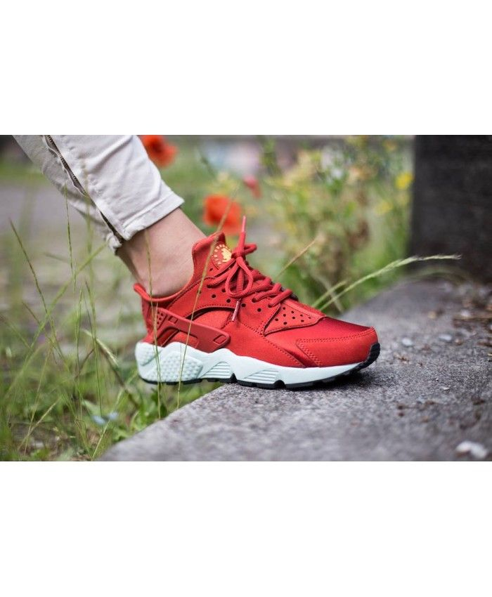 The design of flyknit make you cool, breathable and comfortable for your  foot, Nike Air Huarache knit shoes