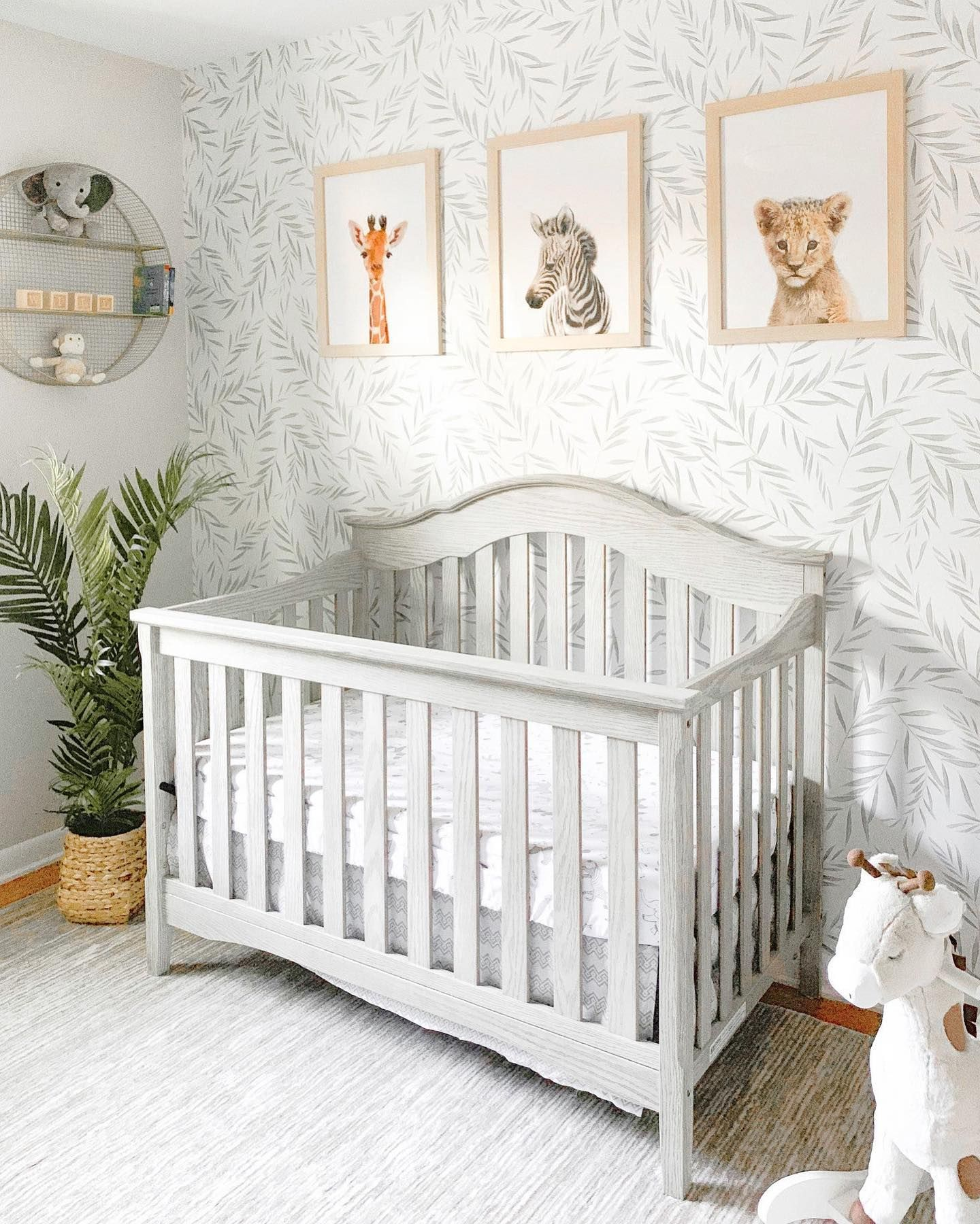 Soft Botanicals Make For The Most Adorable Gender Neutral Rooms Tap For Deets On This New Wallpape In 2020 Nursery Baby Room Baby Boy Room Nursery Nursery Room Design