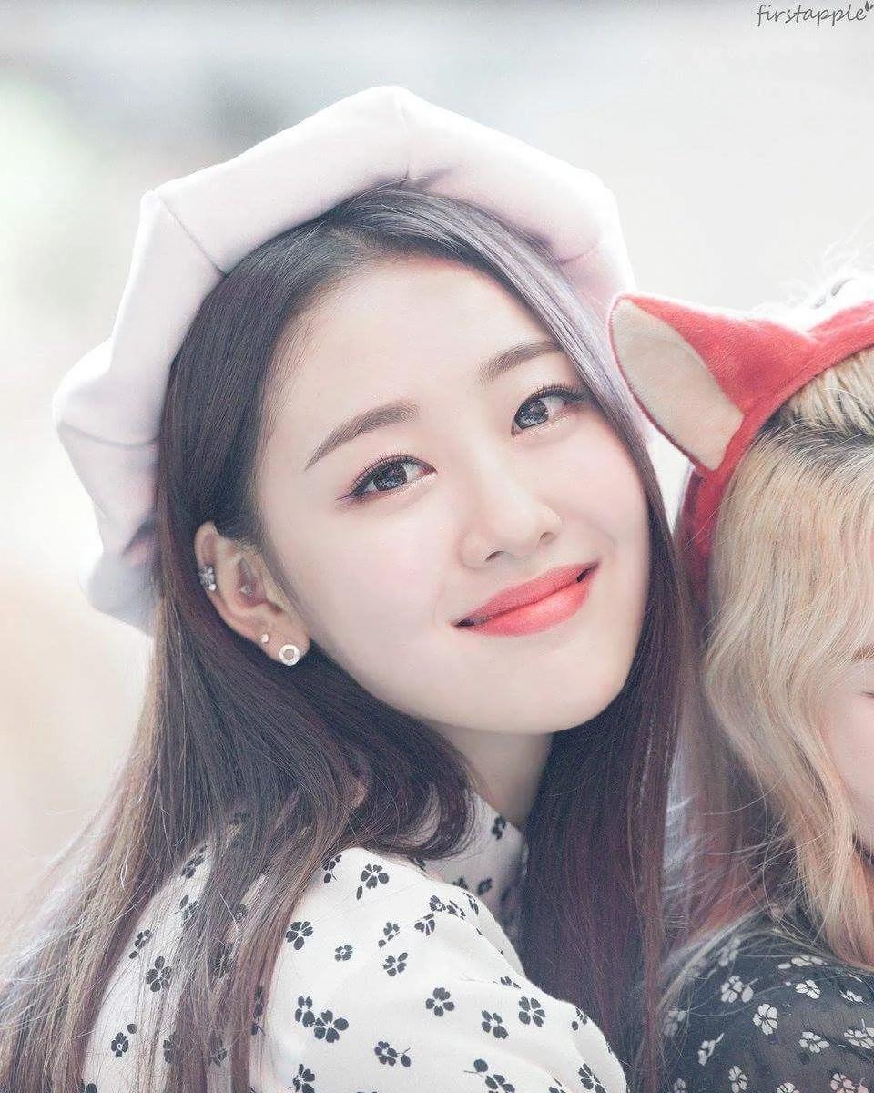 These 17 Female Idols Will Make You Want Piercings Asap Koreaboo Kpop Girls Female Kpop Girl Groups