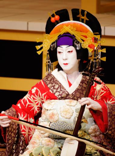 l 39 onnagata ou oyama est un type de personnage du th tre japonais art japonais. Black Bedroom Furniture Sets. Home Design Ideas