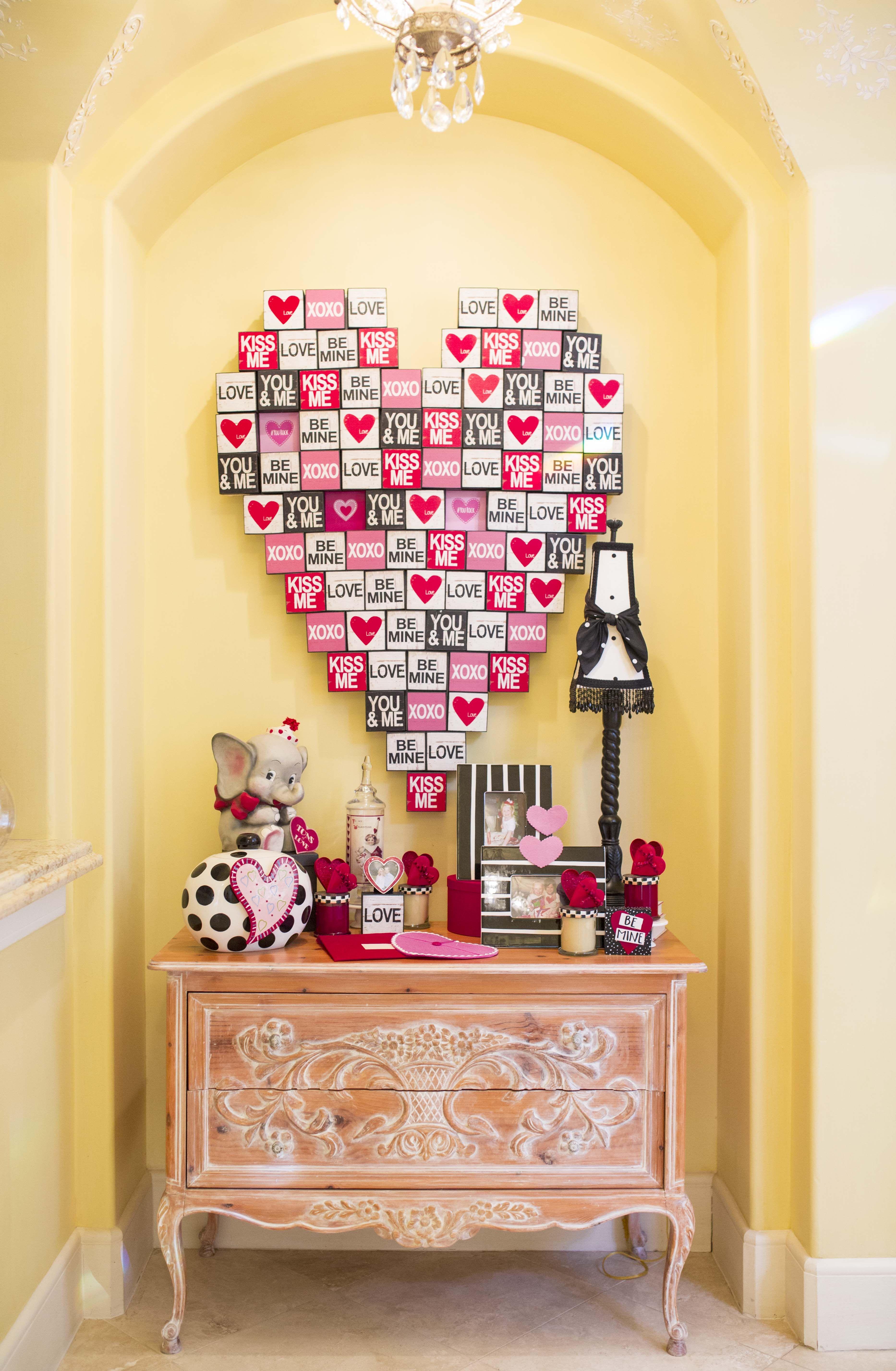 Valentine\'s Day decor. | Celebrate Love: Valentine\'s Day ...