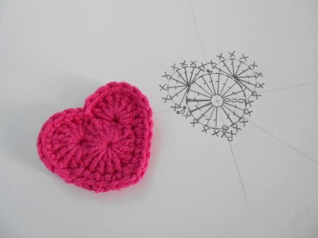 corazón fácil | COLLARES | Pinterest | Tejido, Corazon crochet y ...