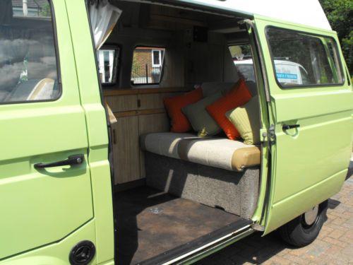 VW-T25-Camper-Van-Caravelle-Holdsworth-High-Top-Green