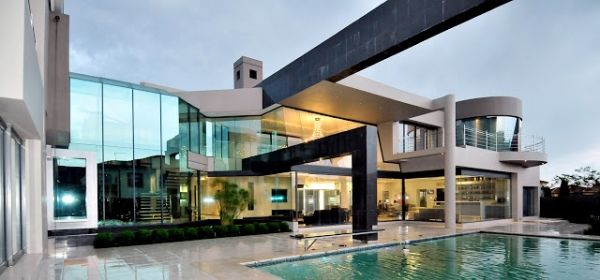 stunning modern mansion