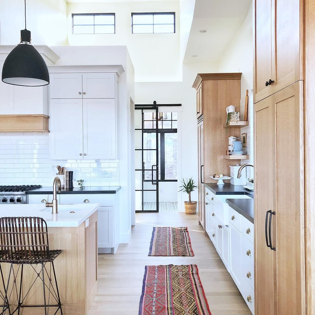 Airy White Kitchen With Images Kitchen Inspirations Hill Interiors Home Decor Kitchen