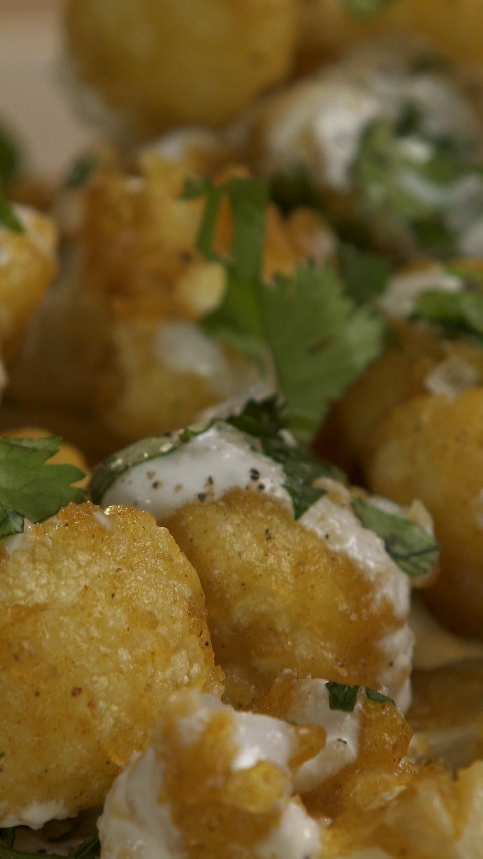 Curry Cauliflower Fritters with Cilantro Yogurt Sauce