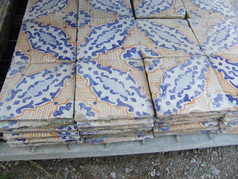 Maioliche fatte a mano antiche mattonelle in cotto smaltato e