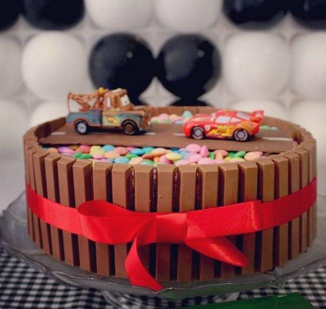 Kit Kat Car Cake Cake Ideas Cake Birthday Cake Decorating