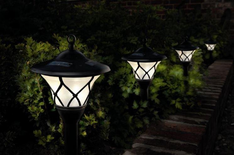 Illuminazione Esterna Lanterna : Lampade da esterno solari ingresso pedonale nuovo スマートホーム