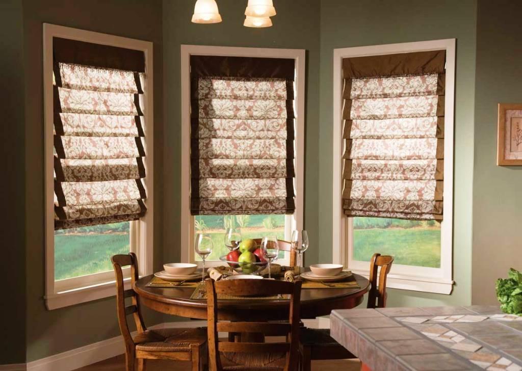 Horizontal Kitchen Blinds How To Choose Kitchen Blinds All Woodenverticalblinds Blindsandcurtains Living Room Blinds Blinds For Windows Shades Blinds