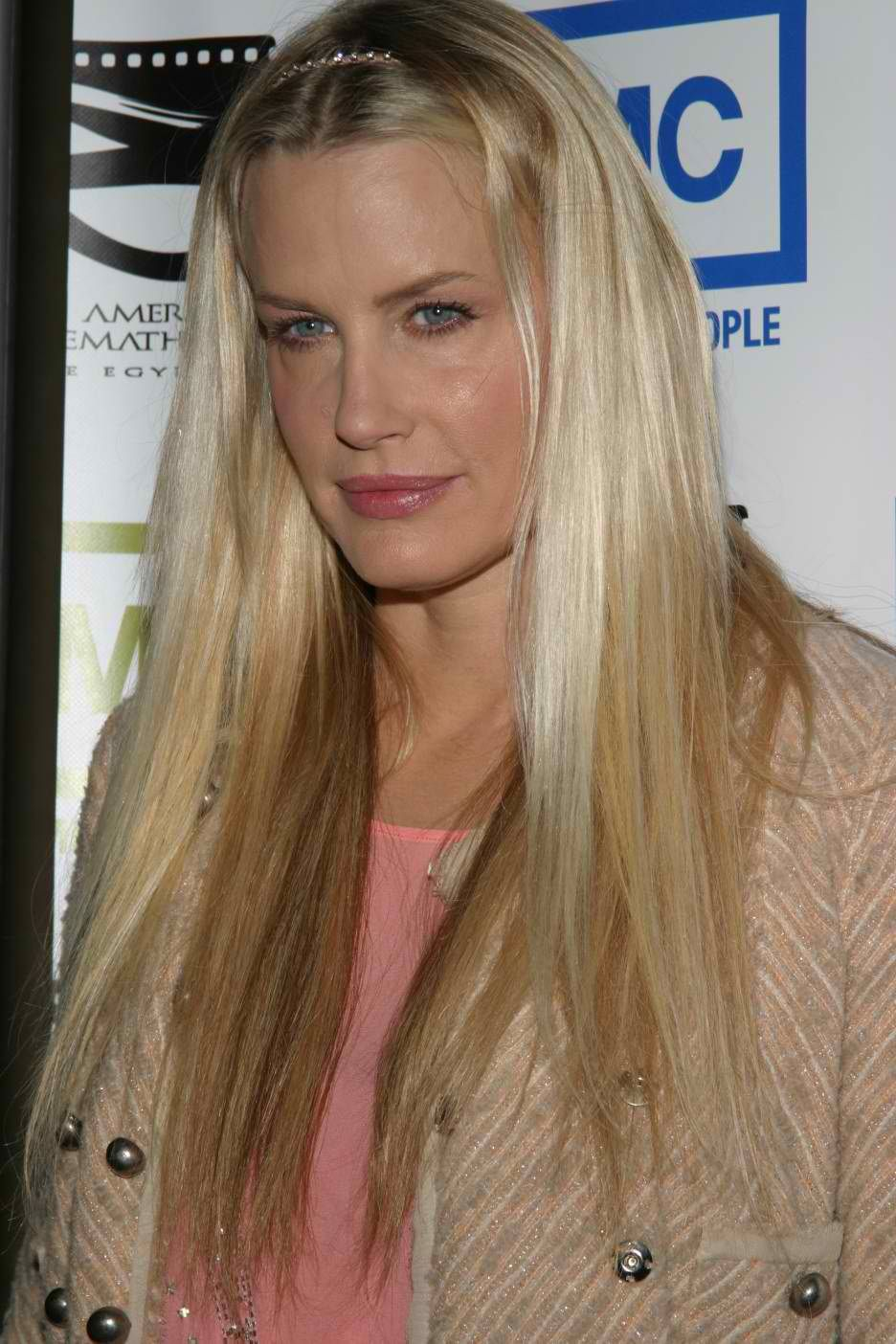 daryl hannah feel robbie williams