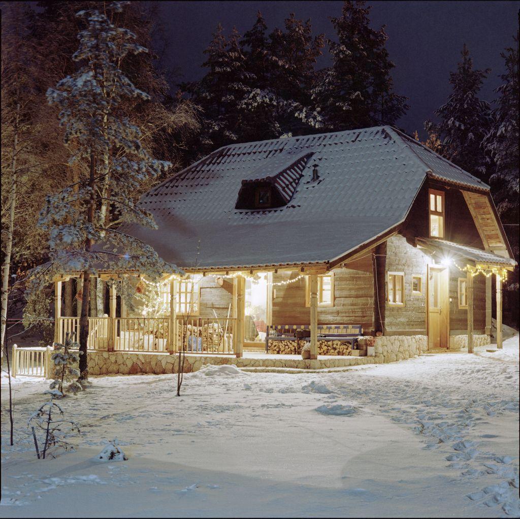 Cabin lights invierno pinterest caba a nieve casas y invierno - Cabana invierno ...