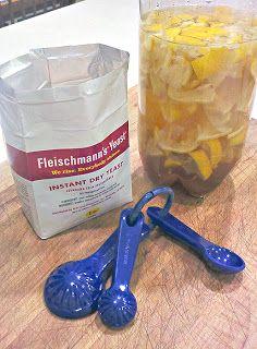 Por el costo de un medio de azúcar morena y una cucharadita de levadura puedes hacer tu propio Citrus Enzima Cleaner con 1 litro de agua y 2 tazas de sobra de limón o naranja cáscaras. se deja fermentar durante 3 meses .. justo a tiempo para la limpieza de primavera. Voy a estar tratando éste.