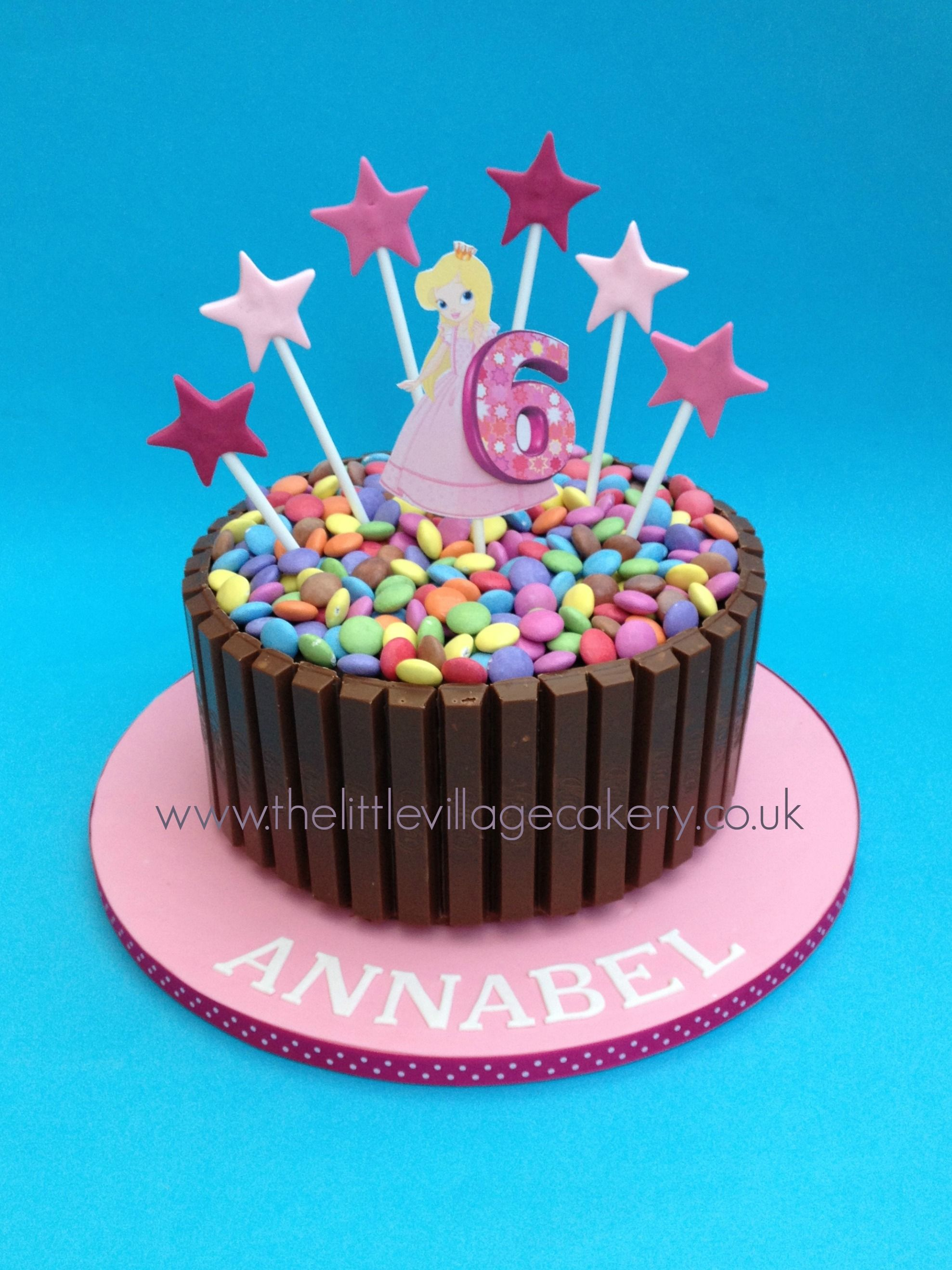 Cake Decorating Ideas With Smarties : Kitkat Smarties cake Rainbow party Pinterest ...
