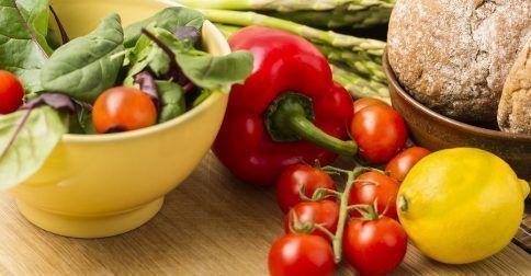 Αφυδάτωση: 8 τροφές για να αναπληρώσετε τα υγρά του οργανισμού: http://biologikaorganikaproionta.com/health/239010/