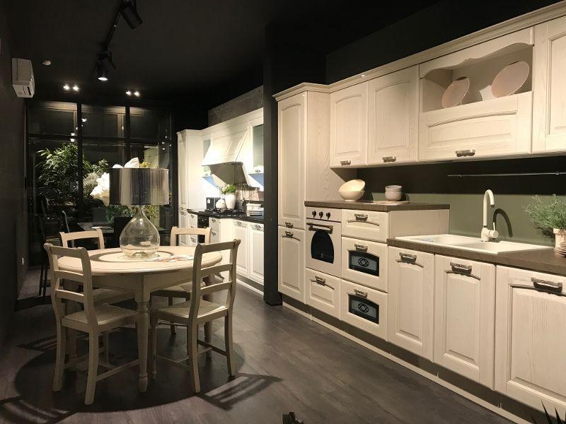 Ti piace la #cucina #classica? Oggi vi presento il modello #Veronica ...
