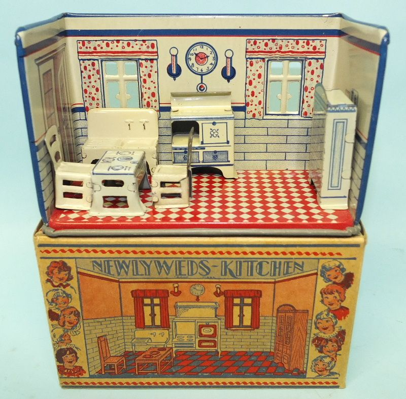 Mini Kitchen Room Box: 1920′s MARX NEWLYWEDS KITCHEN TIN TOY MINIATURE DOLL HOUSE