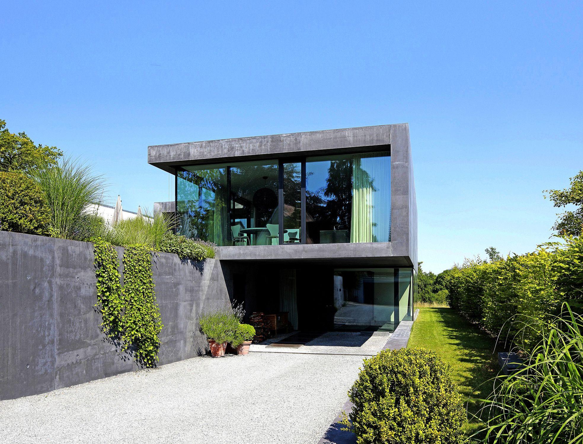 Haus d in ludwigsburg beton wohnen efh baunetzwissen for Modernes ferienhaus bauen