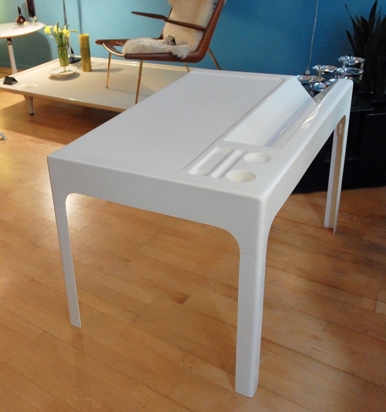 Bureau En Fibre De Verre Ozoo Design Marc Berthier Pour Roche  # Meubles Bureau Roche Bobois