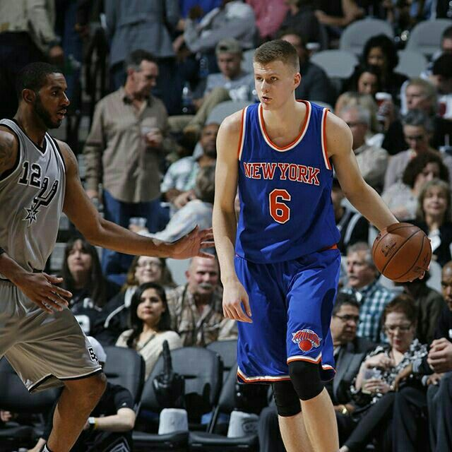 Heading to the 4th, it's #Knicks 74, Spurs 79 on @msgnetworks! . . . @kporzee: 24p/10r @carmeloanthony: 14p/10r