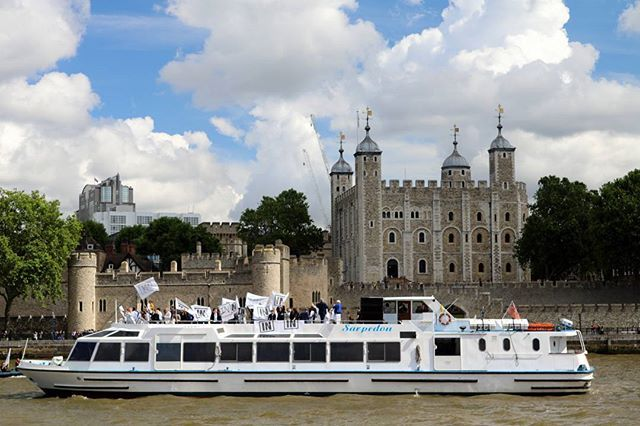 Bob Geldof and #StrongerIn campaigners aboard M.V Sarpedon during the #FishingForLeave demonstration on the Thames.  #RiverThames #London #Sarpedon #TowerOfLondon #BobGeldof #EURef