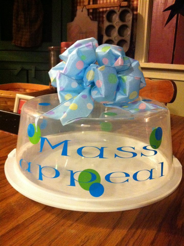 Personalized cake carrier & Personalized cake carrier | My creations with my Silhouette ...