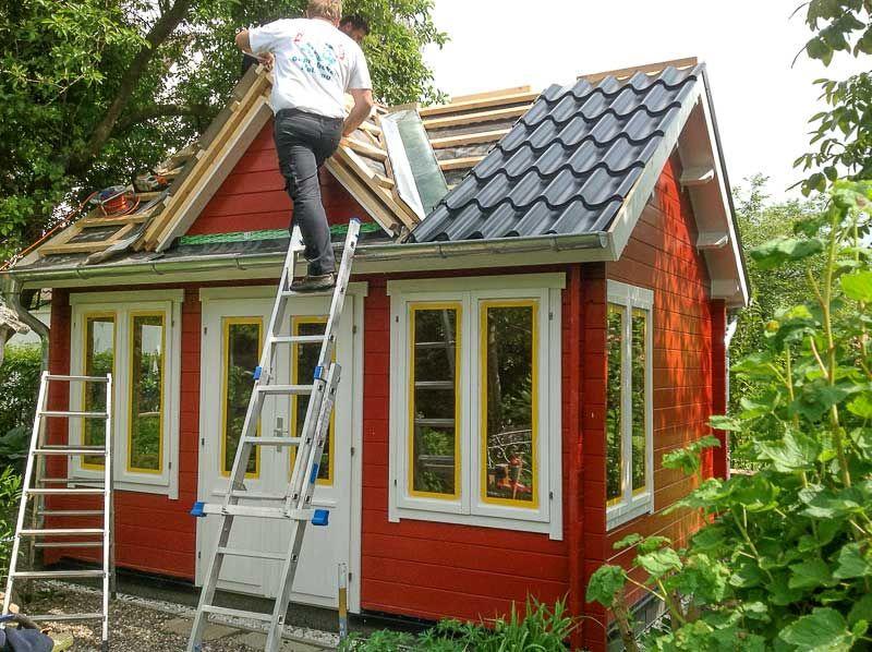 Gartenhaus schwedischer stil  Gartenhaus im Clockhaus-Stil - mit Schlafboden und Bullauge ...