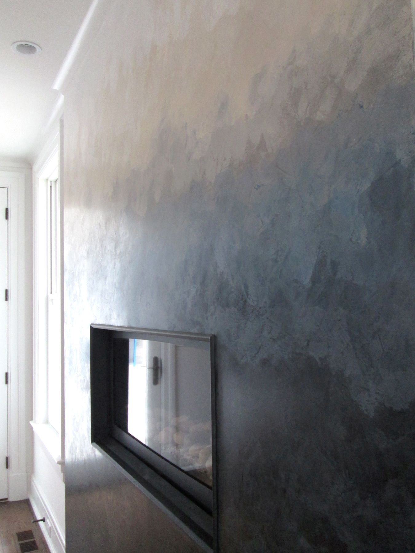 Venetian Plaster And Other Modern Plaster Walls: Ombré Effect Created With Venetian Plaster And Then