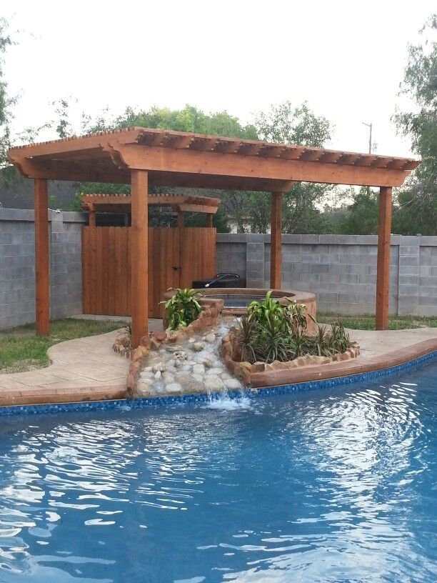 Pergola over the Jacuzzi and a little pergola changing room. I just need to run some water for an outdoor shower.