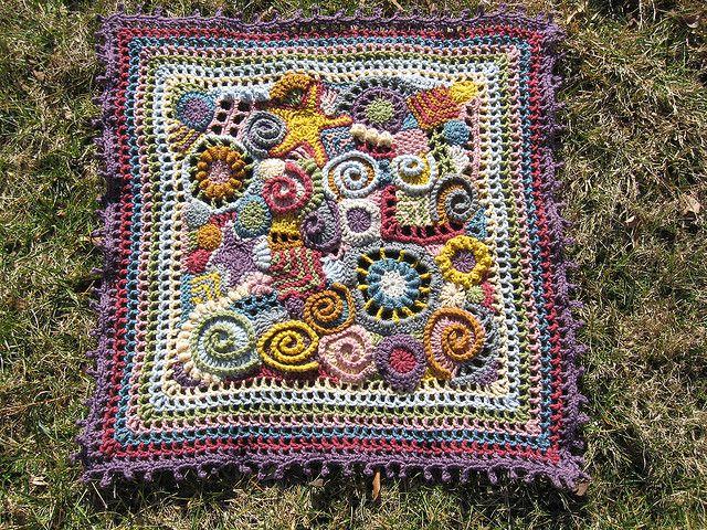 freeform baby blanket by lisaviolinviola, via Flickr