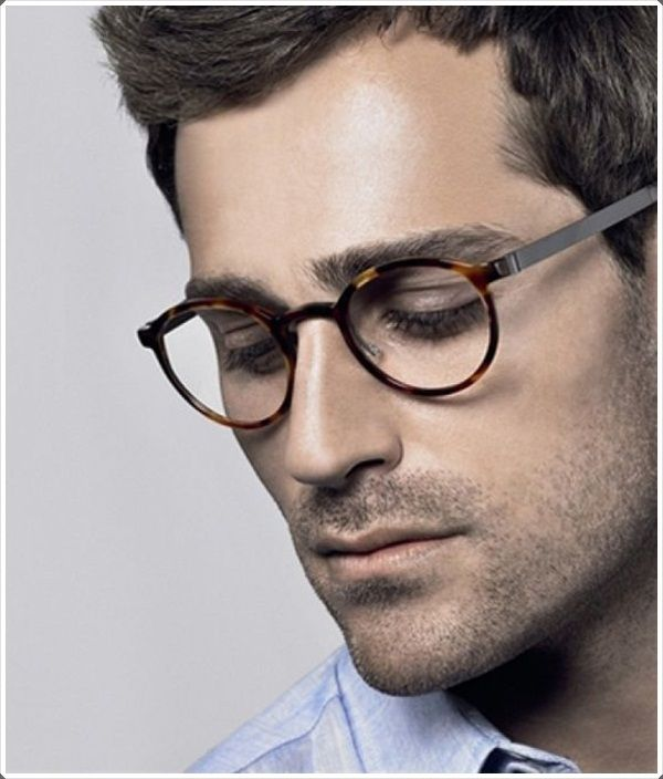be44fb48b5 The round shaped glasses suit oval faces quite well.