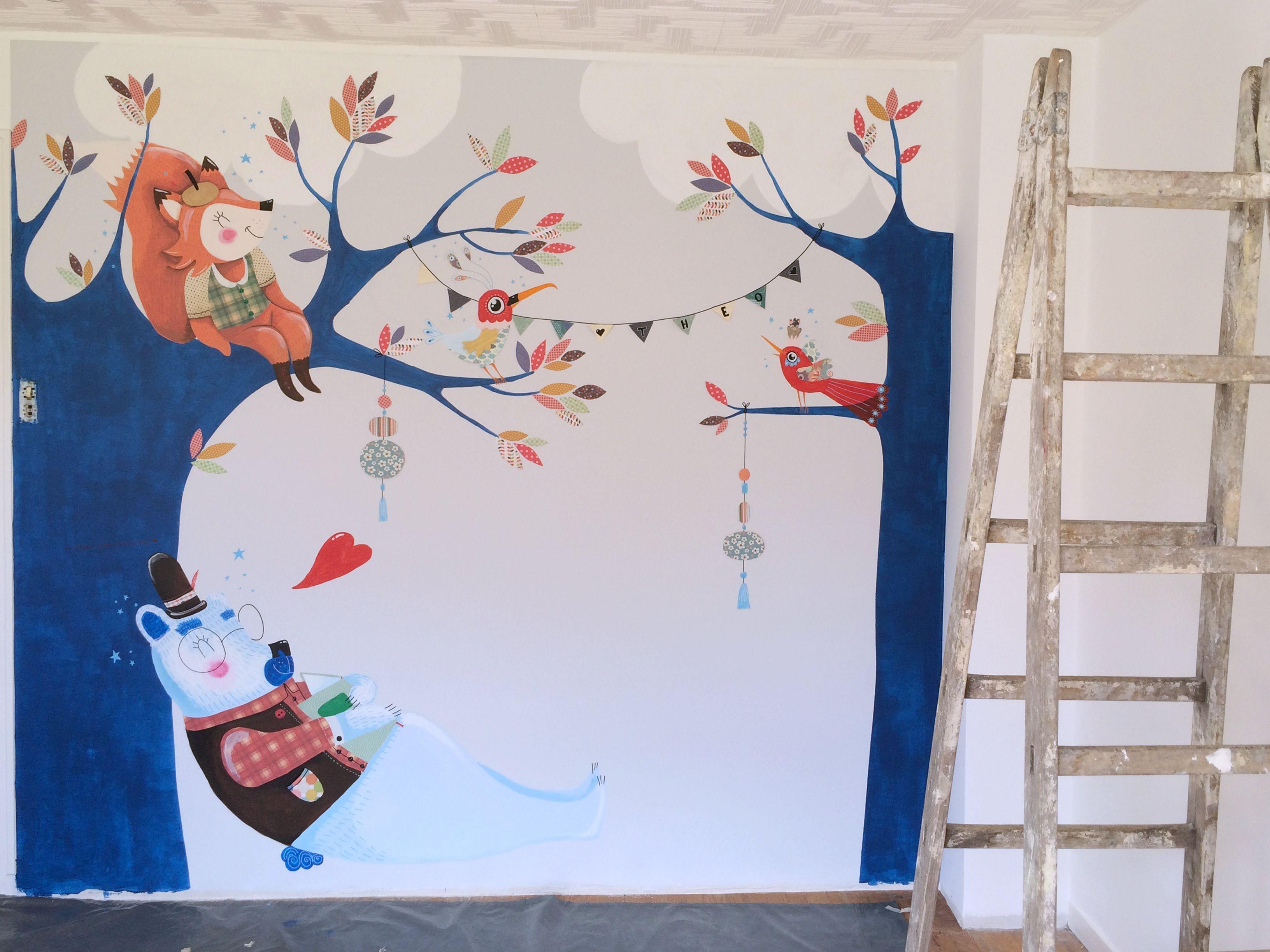 fresque murale chambre d 39 enfants un ours fait une petite. Black Bedroom Furniture Sets. Home Design Ideas