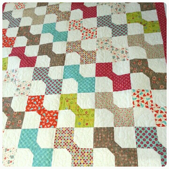 Ribbons and bows have been quilted on this lovely bow tie quilt ribbons and bows have been quilted on this lovely bow tie quilt ccuart Image collections