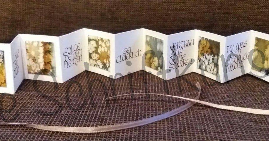 Liebe Schriftbegeisterte, Heidi hat ein Leporello im Miniformat 4 x 4 cm gemacht. Bis bald Die Schriftkünstler