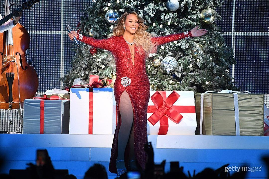 Getty Images Entertainment On Instagram Congratulations To Mariahcarey For Hitting Number One On The Mariah Carey Mariah Carey Christmas Mariah Carey 1994