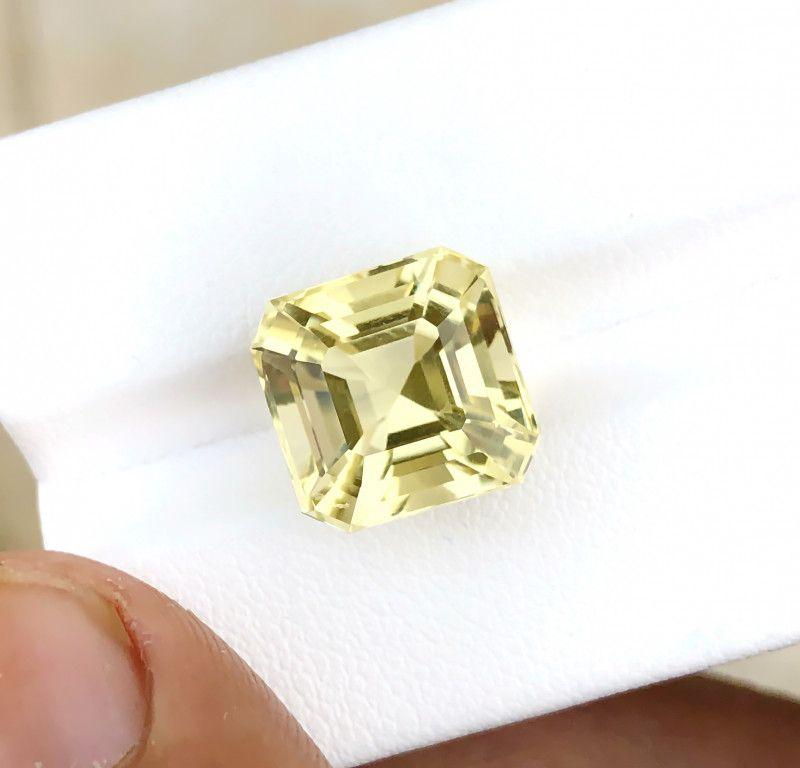 Photo of 7.90 Ct Natural Yellowish Transparent Citrine Gemstone
