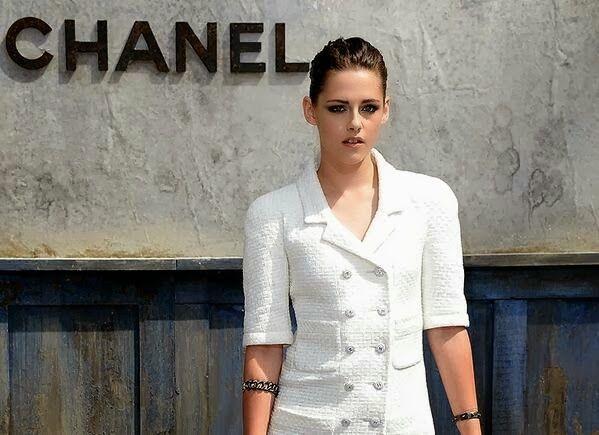 Star Hollywood: Kristen Stewart foi escolhida como o rosto da campanha publicitária da coleção Chanel Métiers D'Art 2013/14